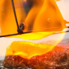 A Handheld Broiler Lets You Guarantee a PerfectSear