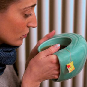 This Mug Lets You Harness a Hot Beverage To Warm Your Hands