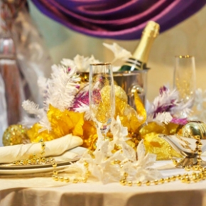 11 New Year's Eve Tabletop DecorationIdeas