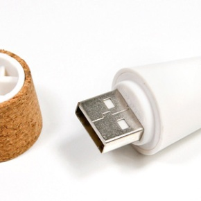 A Rechargeable LED Cork That Turns Empty Bottles IntoLamps